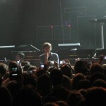 Singer, Thomas Mars, among the great unwashed