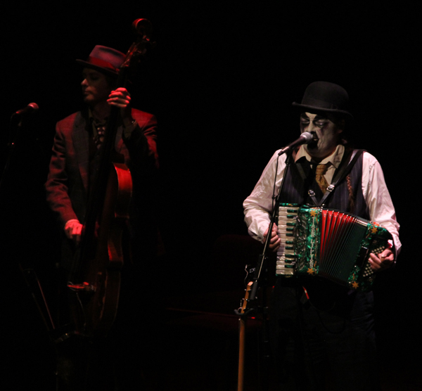 tiger-lillies_live_tampa_kisses-and-noise_3