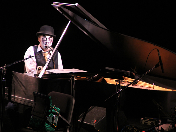 tiger-lillies_live_tampa_kisses-and-noise_7
