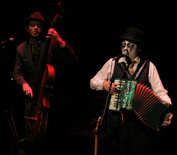 tiger-lillies_live_tampa_kisses-and-noise_8