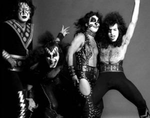 most-overlooked-kiss-songs-by-kisses-and-noise